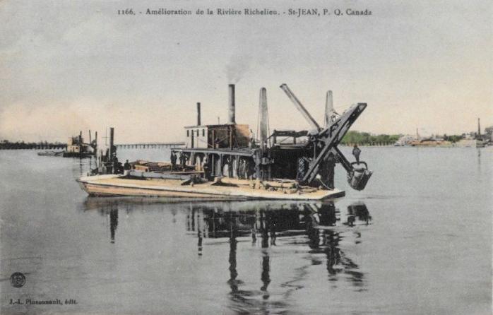 Amélioration de la Rivière Richelieu / Dredging Boats, Richelieu River.