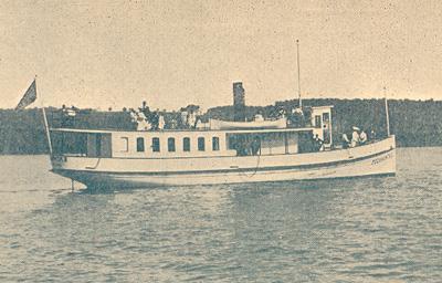 La Pocahontas, bateau à vapeur sur le lac Massawippi (v. 1900) / The Pocahontas, steamboat on Lake Memphremagog (c.1900)