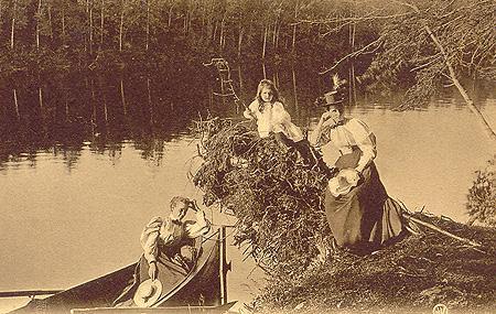 Pique-nique au bord de la rivière Magog (v. 1905) / Picnic on the banks of the Magog River (c.1905)