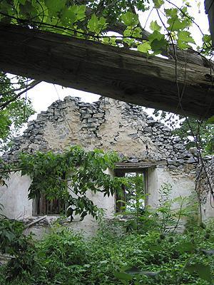 Ruins / Ruins, Saint-Armand