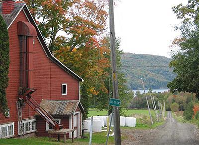 Chemin Station, village de Massawippi / Station Road, Massawippi Village