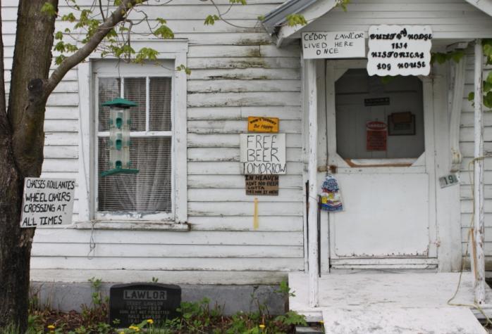 Maison, rue River / Residence on River Street