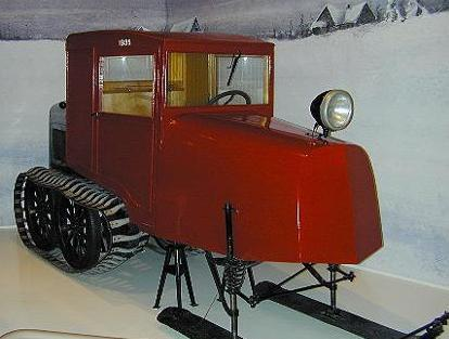 Tracteur à neige / Snow tractor