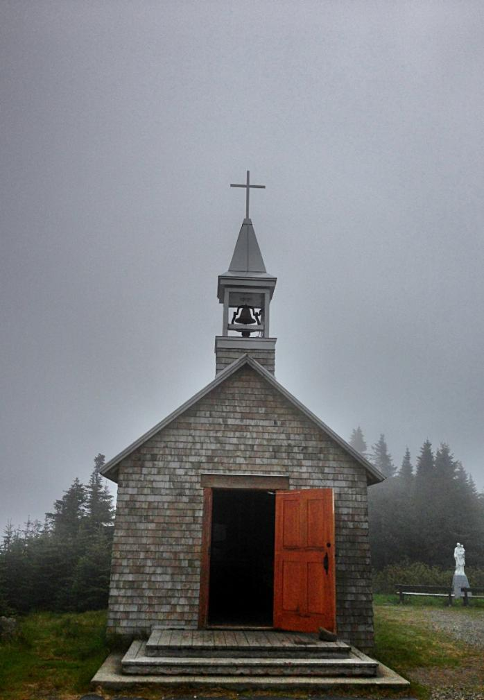 Chapelle Saint-Joseph au sommet du Mont-Mégantic / St. Joseph Chapel, Summit of Mount Megantic
