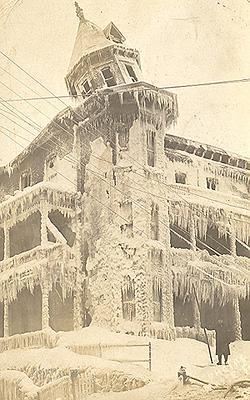 Après le feu, Château Windsor Mills, / After a fire, Château Windsor Mills, 1911