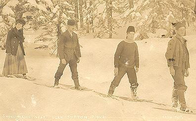 Raquetteurs / Snowshoers, Glen Sutton, 1910