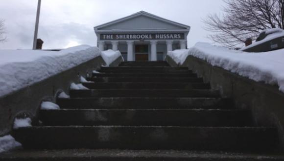 Le manège militaire de la rue William à Sherbrooke Photo : Radio-Canada/ICI Estrie